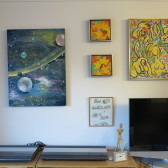 Se maleriet Gul lysstribe på væggen - Lars Stounberg