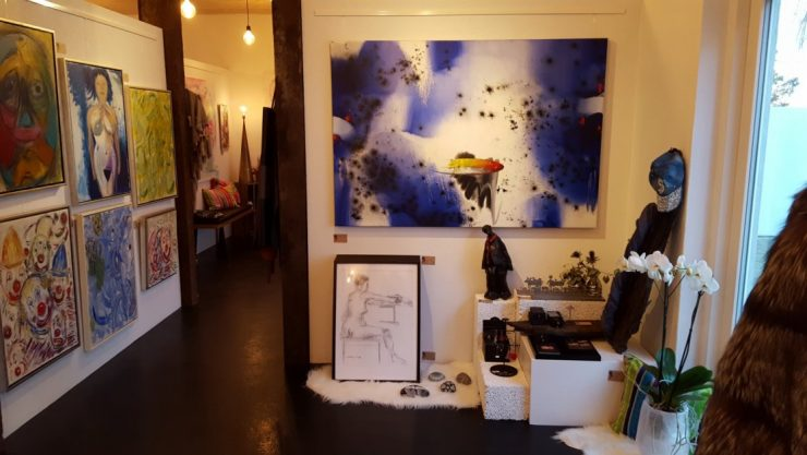Udstilling croquis-tegninger og malerier - her Lars Stounbergs Croquis-tegninger udstillet hos YouCreate Odder