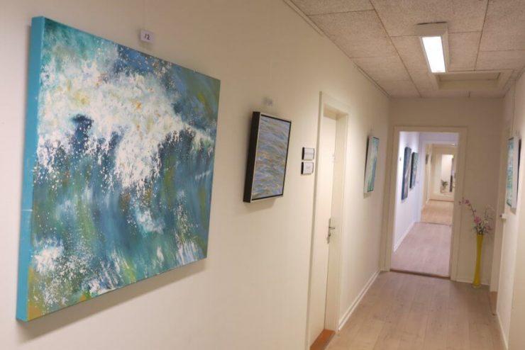 Maleri Hårdt Vejr Vesterhavet 70x80 med på udstillingen Boulevarden Odder 2017