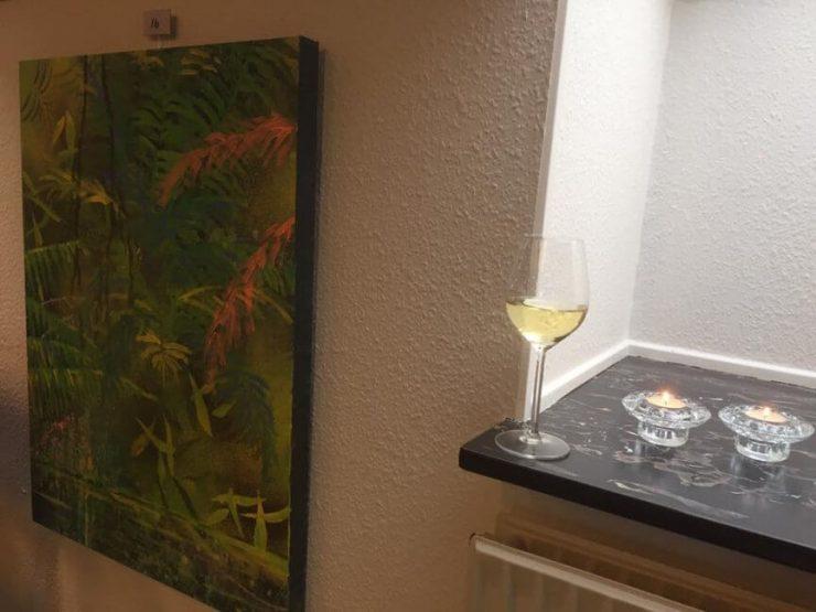 Maleri regnskov kilde 60x80 af billedkunstner Lars Stounberg til fernisering