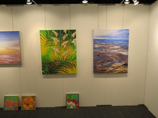 Hillerod Kunstdage 2013 - Lars Stounbergs stand - bl.a. maleri med palmeblade og froe