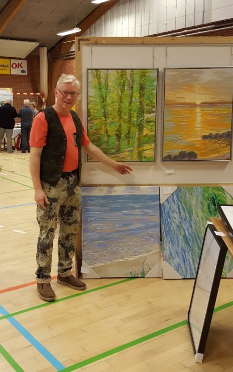 Billedkunstner Odder Lars Stounberg viser sine Malerier med strand og bøgeskov