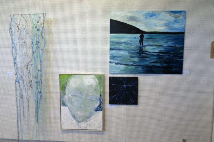 Maleri af Ute Meyer og portræt af Inge Hacke