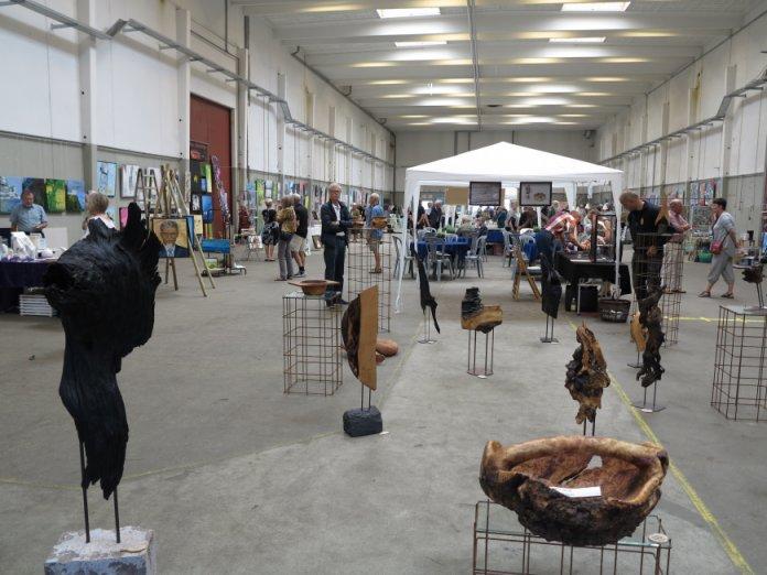 Hele udstillingshallen - tidligere værftshaller i Helsingør 2015 - Helsingør Kunstforening
