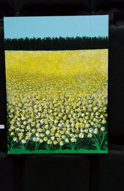 Maleri gul blomstrende mark af billedkunstner Alice Reuter